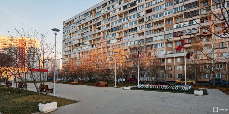 Завершены работы по благоустройству сквера возле памятника погибшим на Чернобыльской АЭС
