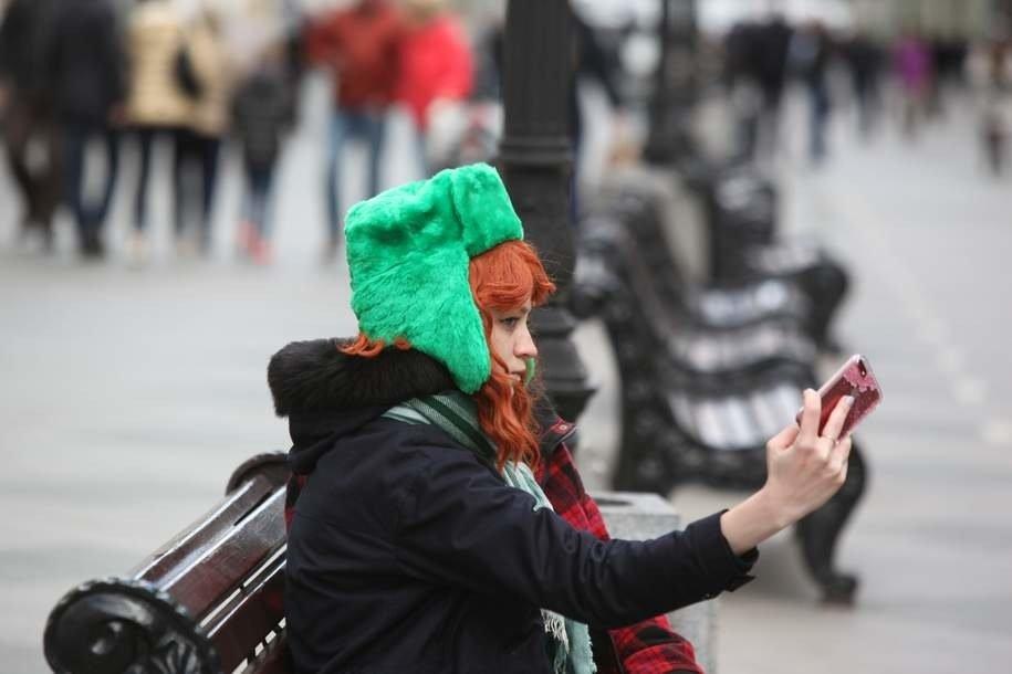 Cотни человек приняли участие во флешбоме «Мама, я надел шапку»