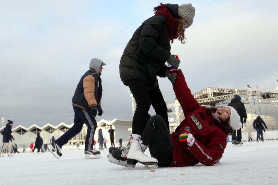 К 25 ноября в столичных парках откроется почти 20 катков с искусственным льдом