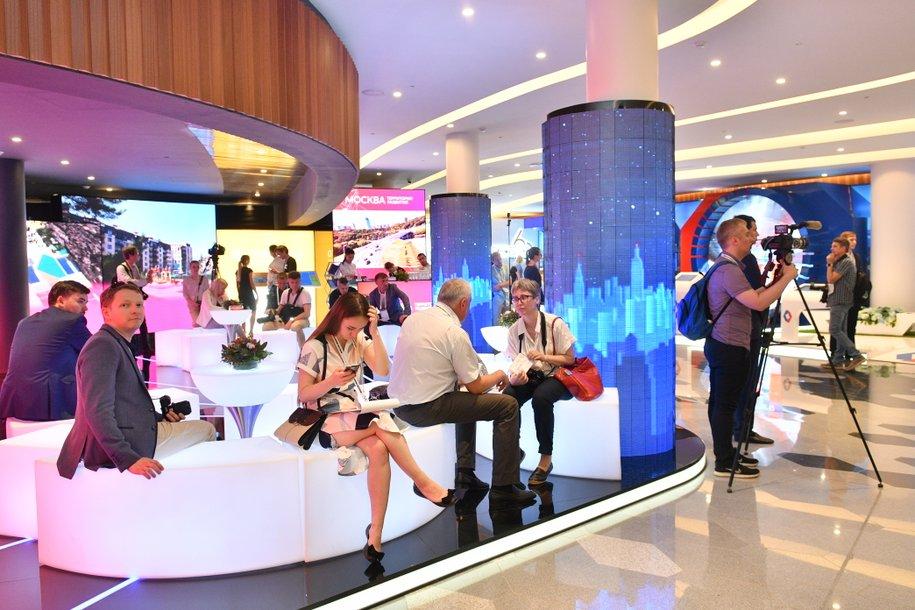 Программы поддержки технологичного бизнеса представила Москва на выставке Smart City Expo World Congress в Барселоне