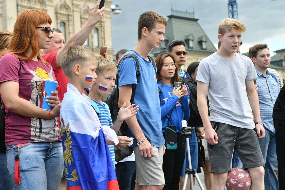 Мосгордума предложила ввести штраф за привлечение несовершеннолетних к курению вейпов