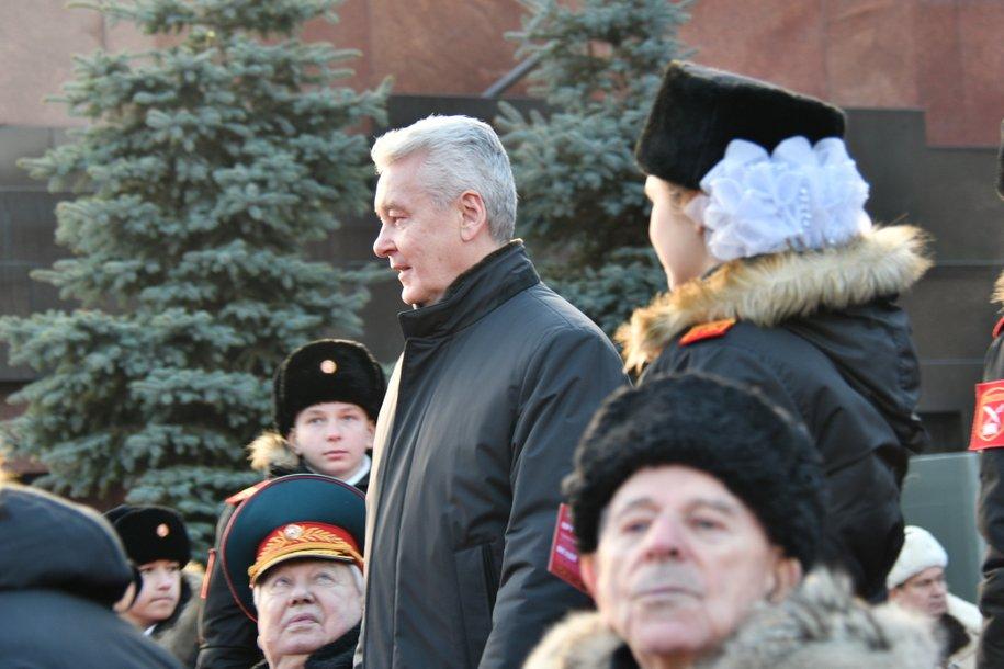 Сергей Собянин поздравил ветеранов ВОВ с 77-летием военного парада 7 ноября 1941 года