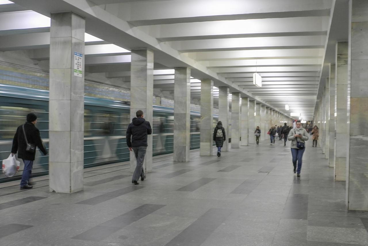 Движение поездов на красной ветке метро введено в график