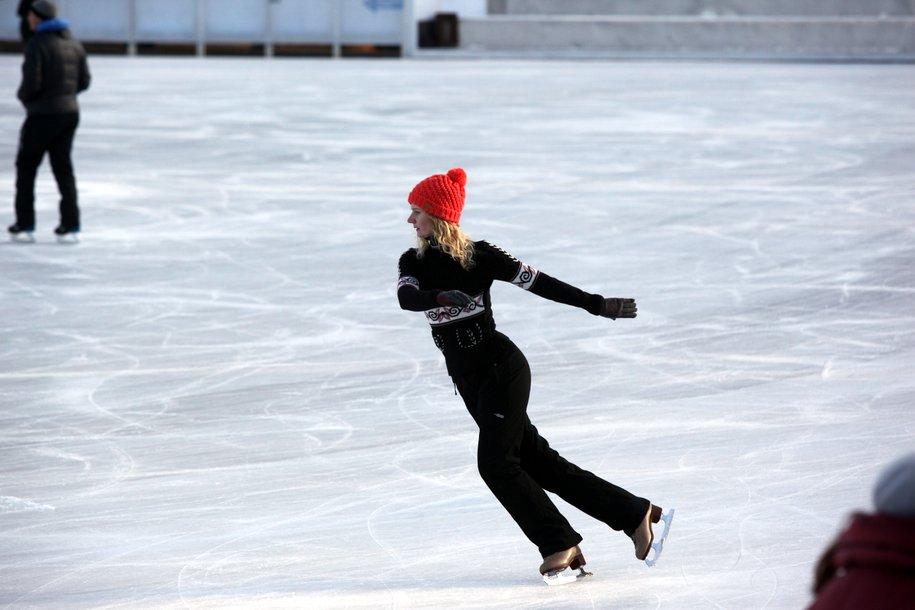 В Москве завершилась заливка 1,2 тысячи катков с искусственным льдом