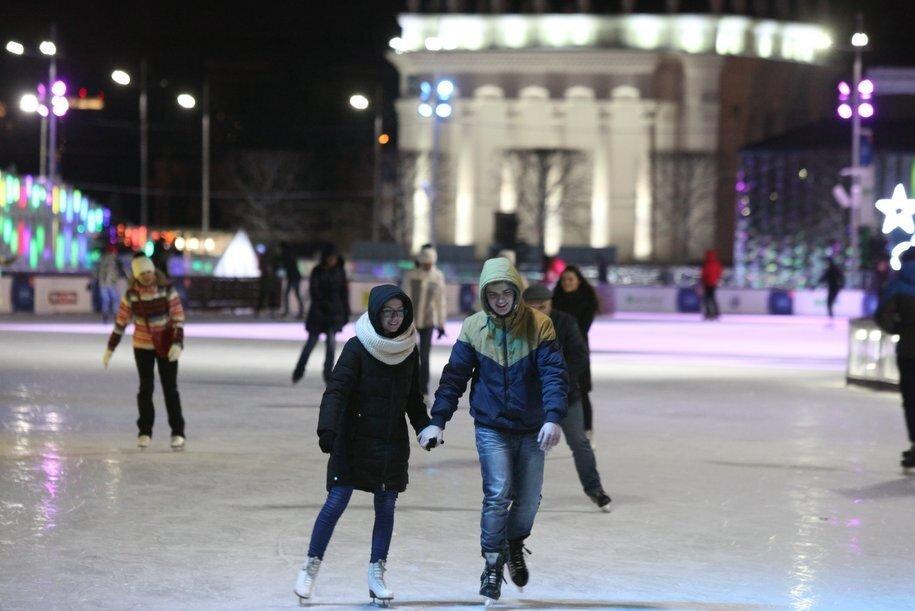 Москвичи и гости столицы смогут покататься на коньках в 23 парках