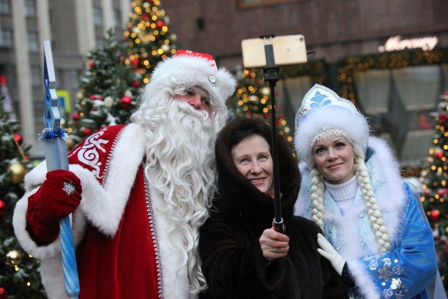 «Победа» бесплатно перевезет пассажиров костюмах Снегурочки и Деда Мороза