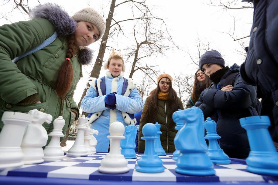 К Новому году праздничную программу подготовили 25 парков