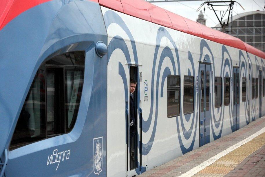 В продажу поступили карты «Тройка» с изображением поезда «Иволга»