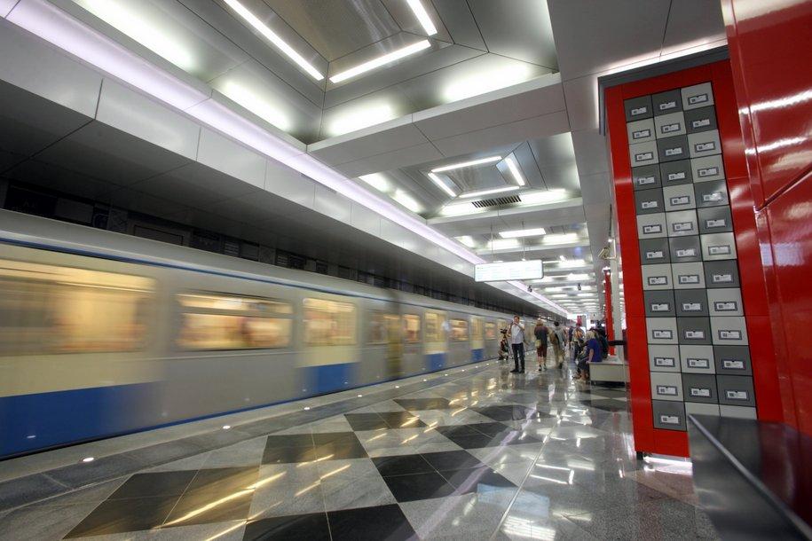 На Солнцевской линии метро произошел сбой в движении поездов