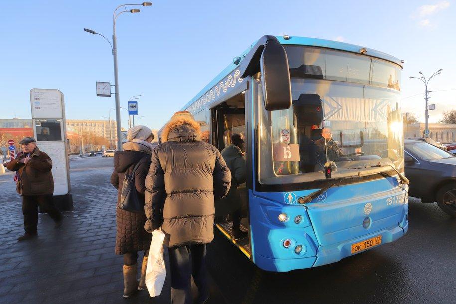 Мосгортранс запустит компенсационные автобусы на время закрытия станций БКЛ и Солнцевской линий метро