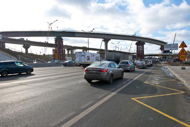 На столичных транспортных магистралях появятся шумовые полосы