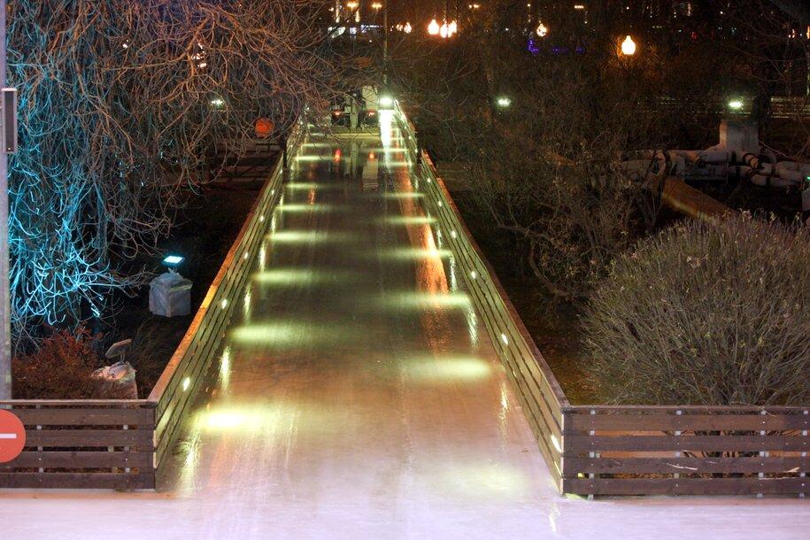 Пешеходный мост рухнул в Парке Горького в новогоднюю ночь