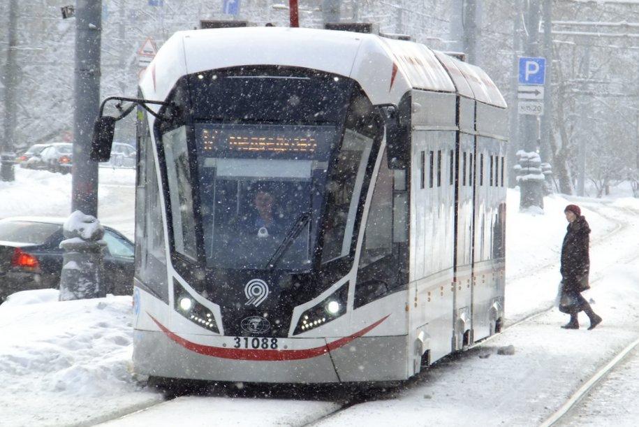ЦОДД призвал водителей быть внимательнее и аккуратнее на дорогах столицы из-за снегопада