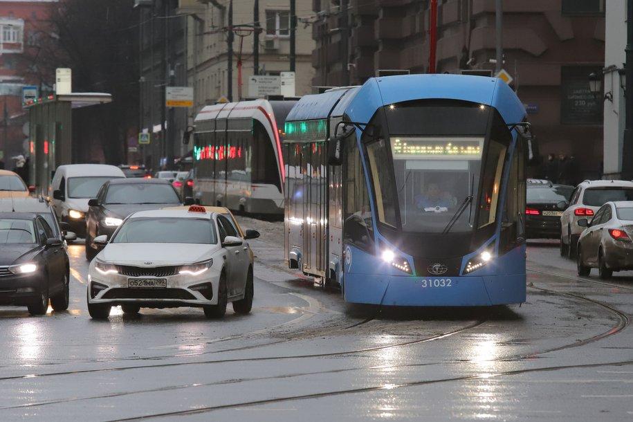 Пробки на столичных дорогах оцениваются в 5 баллов