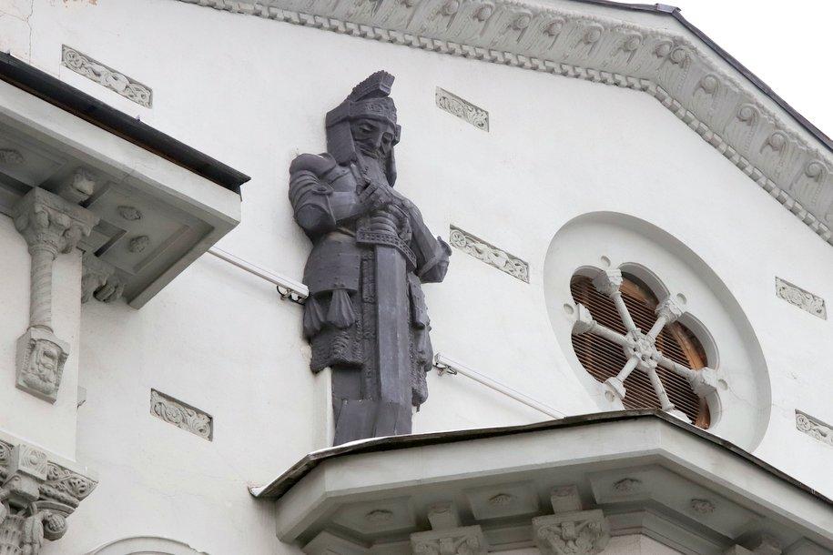 Дом с рыцарем на Большой Полянке признан памятником архитектуры