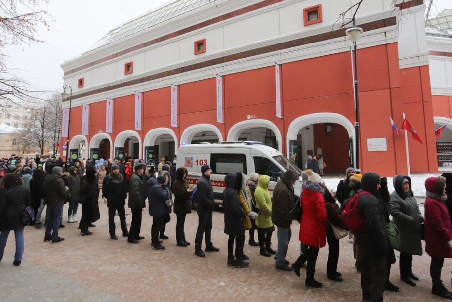 Из Третьяковской галереи на глазах у посетителей украли картину Архипа Куинджи
