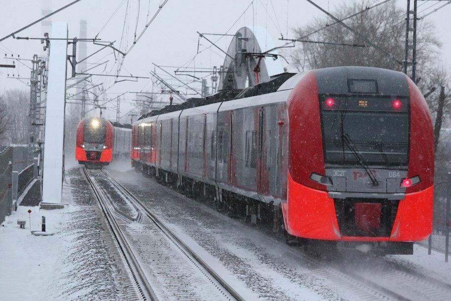 Более 60 единиц снегоуборочной техники задействовано для очистки путей на МЖД