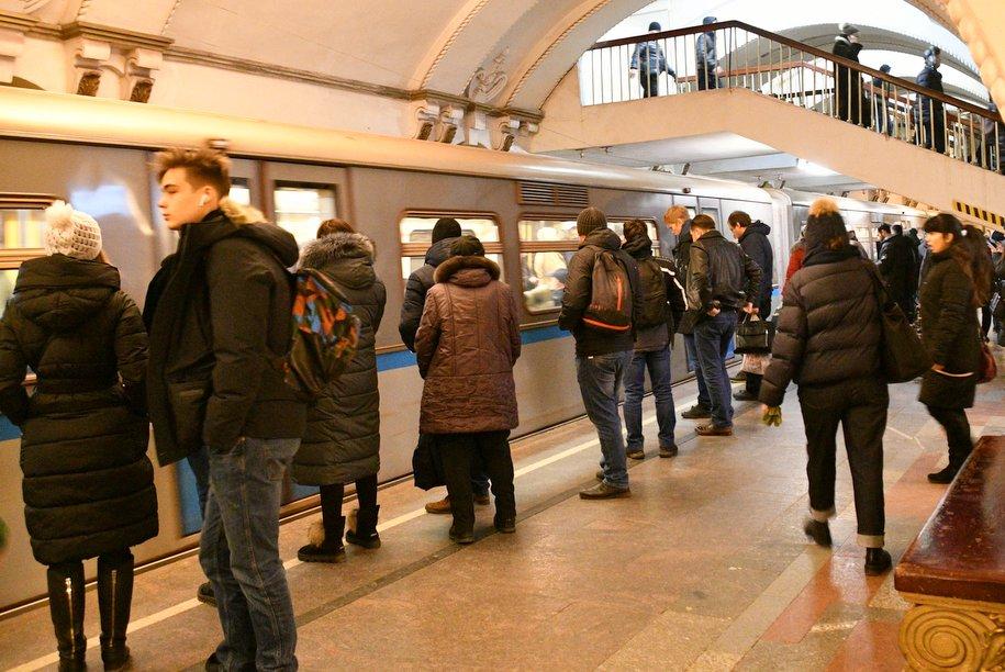 Распитие кофе в метро запрещать не планируется — Ликсутов