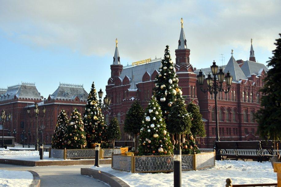 В Москве начался демонтаж новогодних конструкций