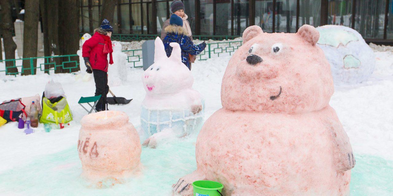 В Москве прошел фестиваль «Арт-битва снеговиков»