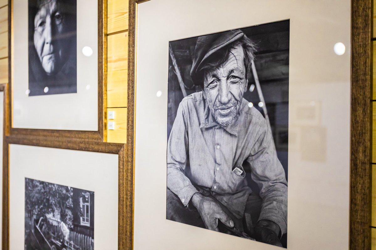 Сергей Собянин пригласил москвичей на фотовыставку «Родное Ретро. 1962-2002.»