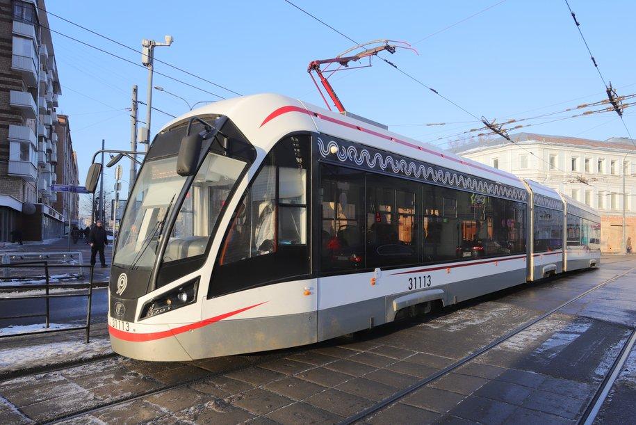 От Комсомольской площади до Метрогородка курсирует бесплатный трамвай №13