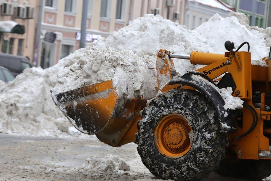 Столичные коммунальщики перешли на усиленный режим работы из-за снегопада