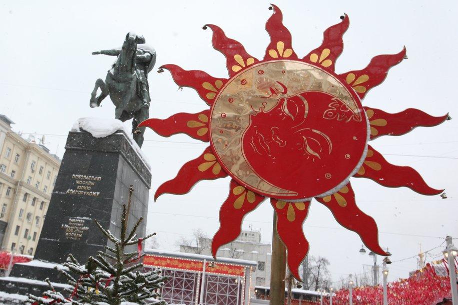 Более 200 декоративных конструкций установят в Москве на Масленицу
