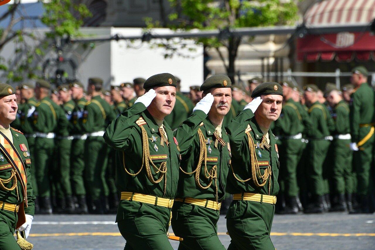 Алексей Шапошников поздравил москвичей с Днем защитника Отечества