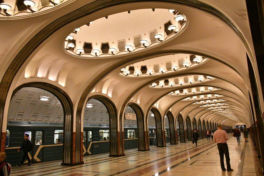 Какие маршруты в столичном метрополитене самые популярные у москвичей?