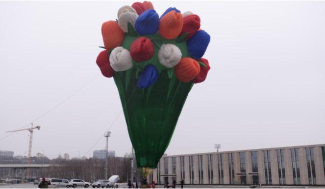 Москвичек порадовали 45-метровым «букетом тюльпанов»