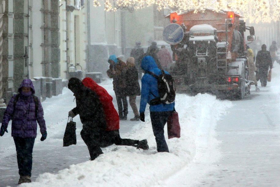 Сильный ветер, гололедица и метель ожидаются в Москве в ближайшие часы