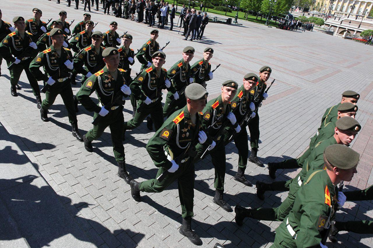 Владимир Путин подписал закон об отсрочке от армии для непрерывного обучения
