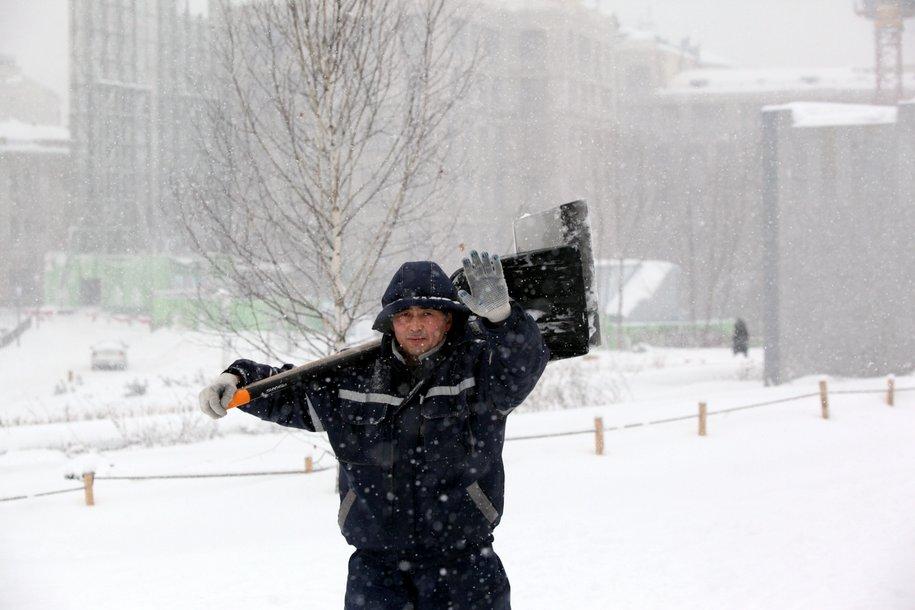 Сегодня в столице ожидается сильный снегопад и гололедица