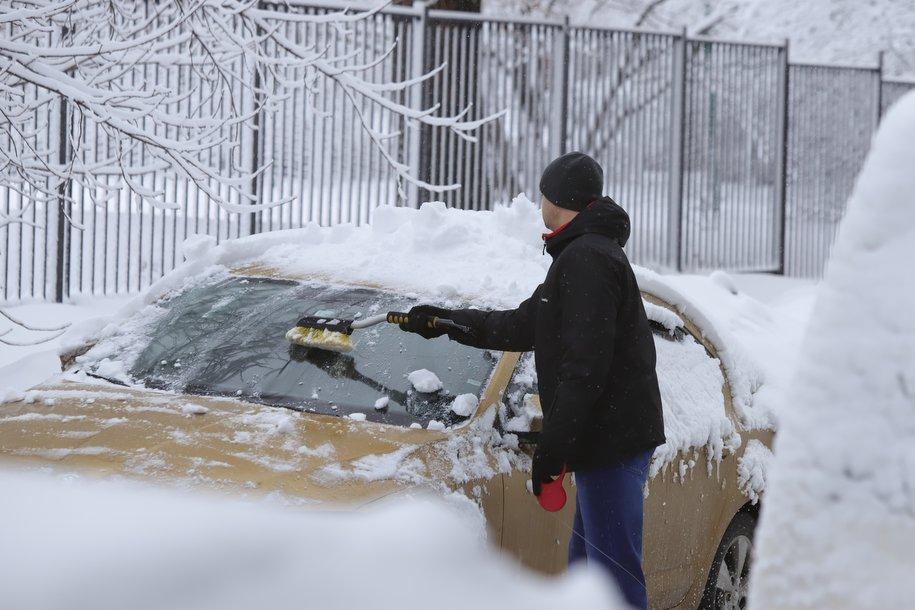 ЦОДД призвал москвичей воспользоваться метро из-за снегопада и загруженных дорог