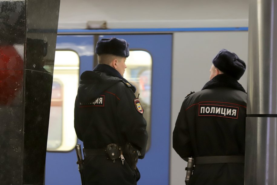 Московский метрополитен наградил пассажира часами за задержание правонарушителя