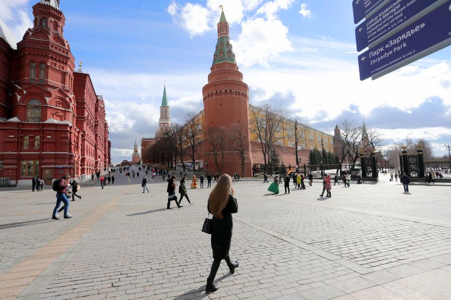 Теплая и солнечная погода придет в Москву в субботу на смену снегопаду