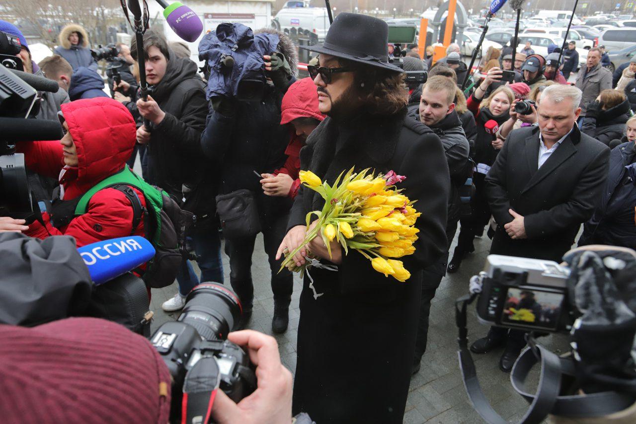 В Москве началась церемония прощания с певицей Юлией Началовой