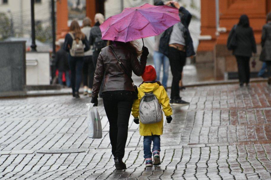 Солнце и дожди будут ежедневно сменять друг друга в Москве до конца рабочей недели