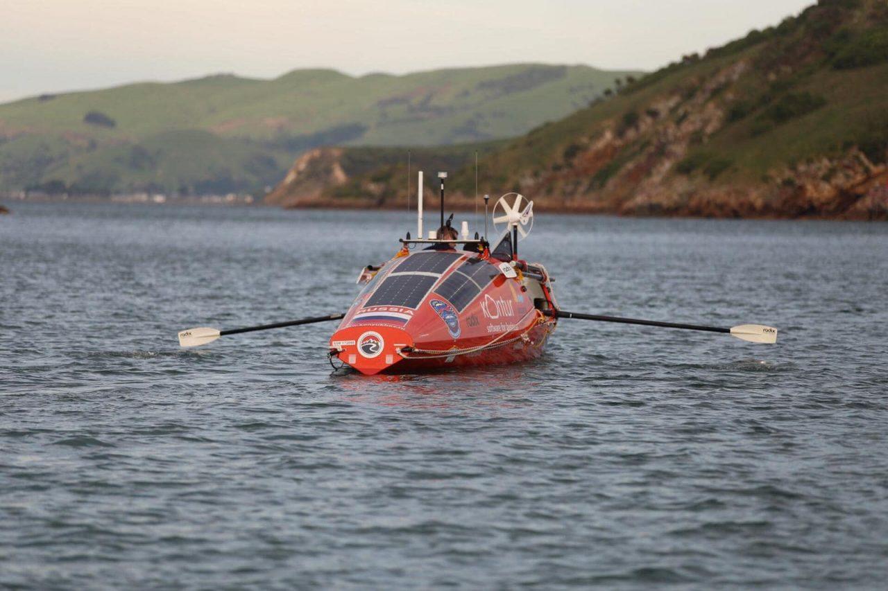 Лодка путешественника Фёдора Конюхова перевернулась в океане из-за шторма