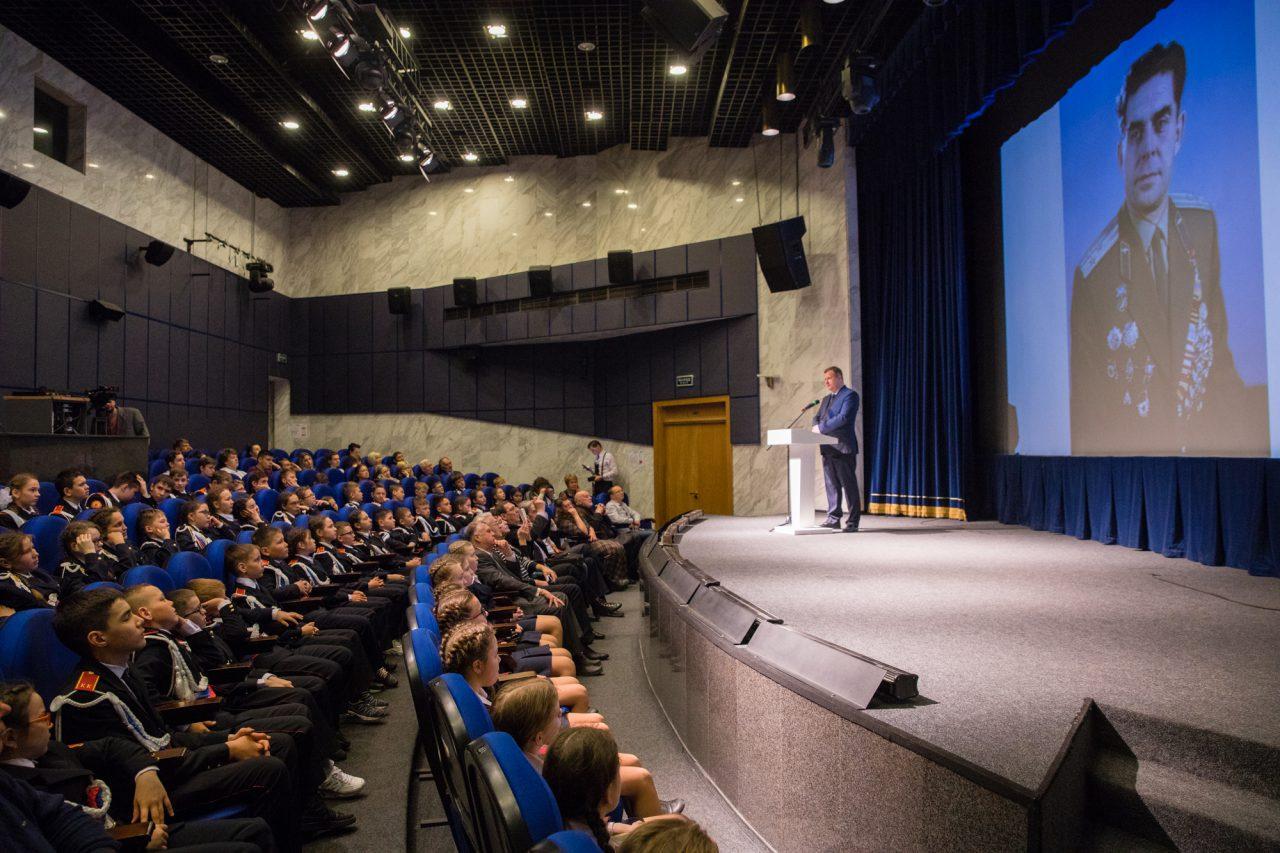 Около 100 школьников побывали на Гагаринском уроке в Музее Победы