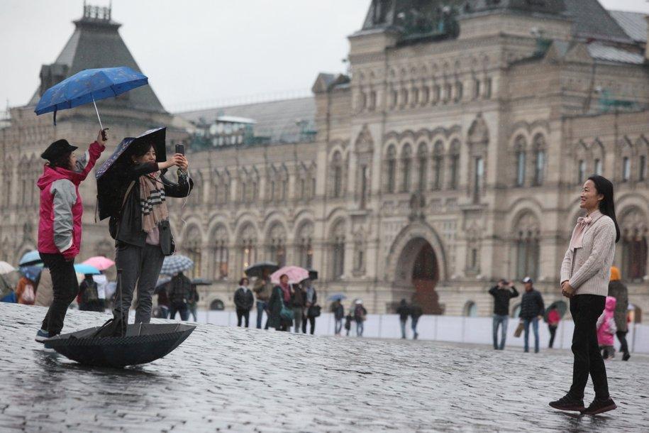 В выходные москвичей ожидает облачная погода с дождем