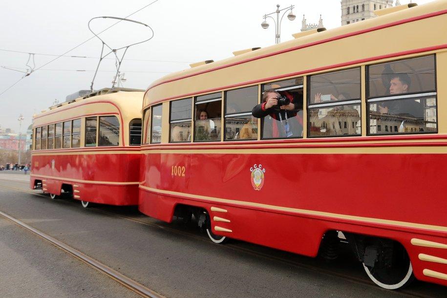Более 250 тыс. человек посетили парад трамваев в Москве