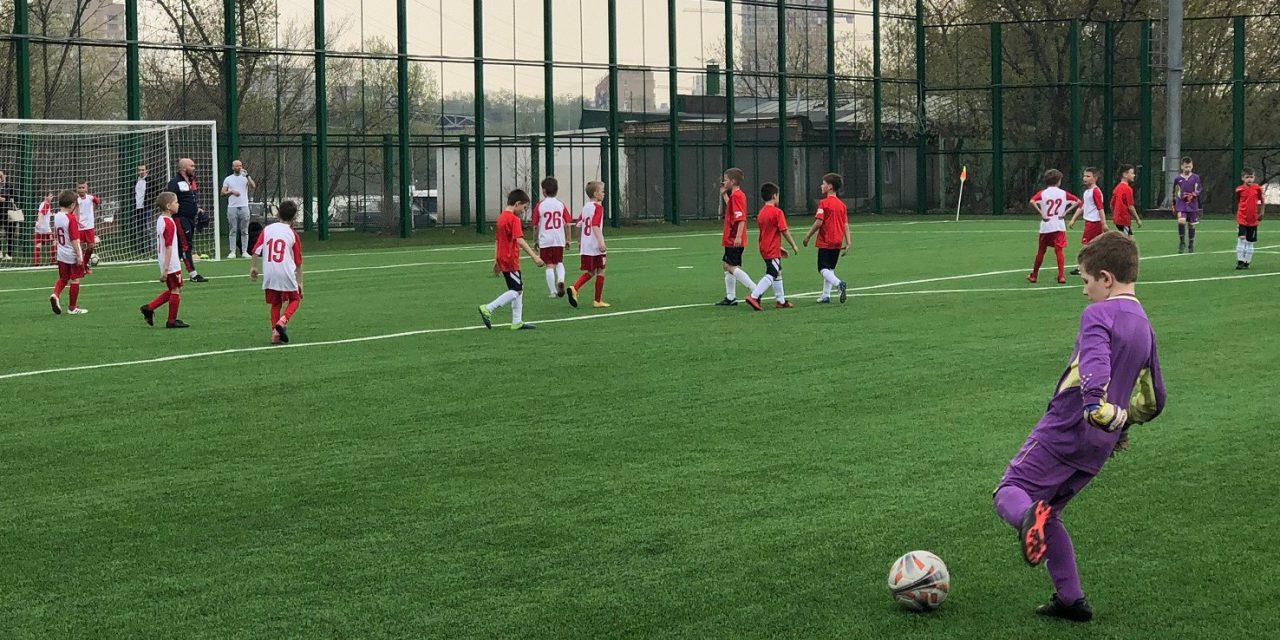 В СЗАО открыли новое футбольное поле