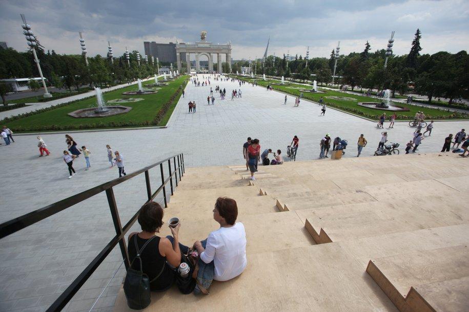 Более 40 тыс. раз подключились горожане к бесплатному WI-FI в парках столицы