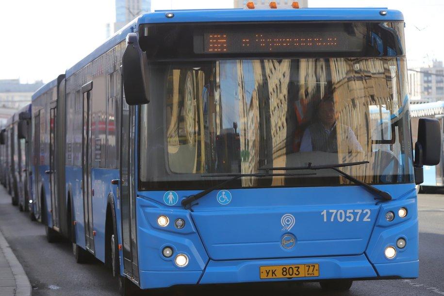 Более тысячи бесплатных автобусов будут работать в столице в пасхальные праздники
