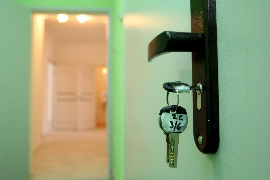 Первые 35 семей Дмитровского района получили ключи от новых квартир по программе реновации
