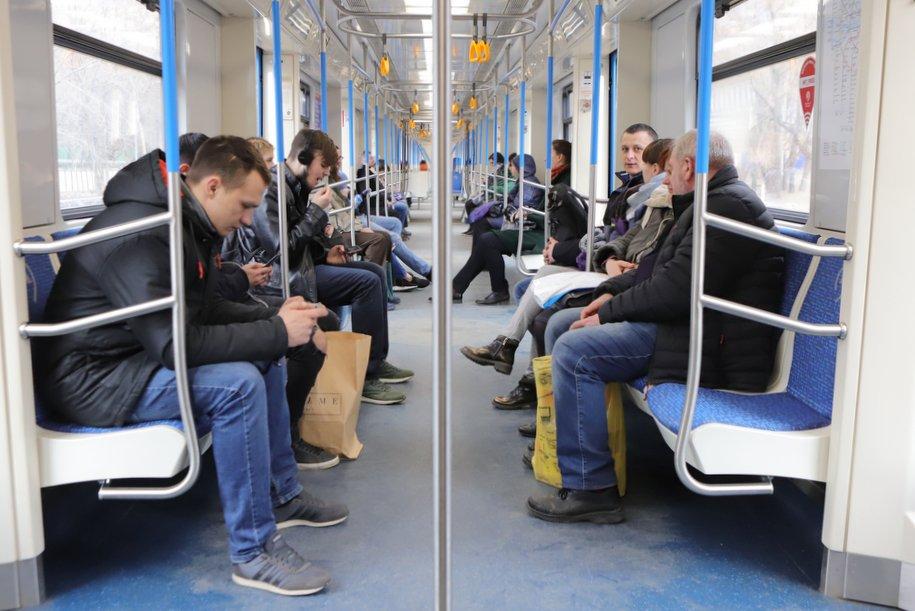 Закрытые станции «фиолетовой» ветки метро откроют сегодня в 14:00