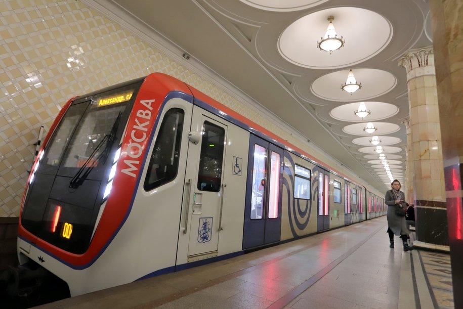 Режим работы 12 станций метро изменится 7 и 9 мая в связи с организацией Парада Победы