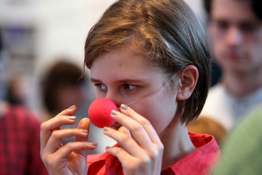 Клоунские носы раздадут пассажирам метро